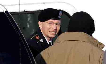 Bradley-Manning-010