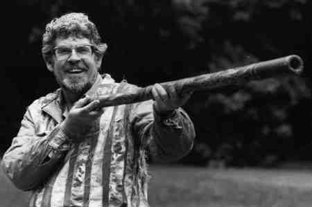 Rolf Harris and pipe
